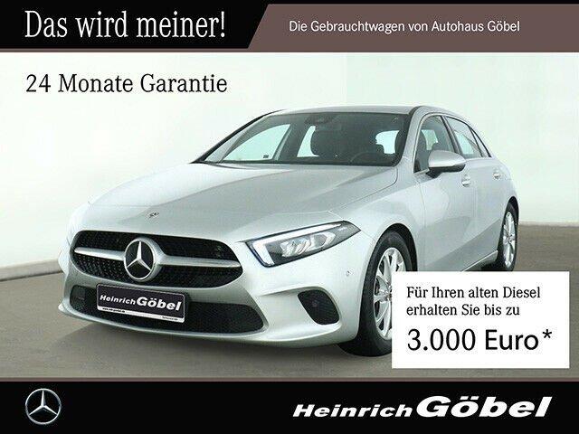 Mercedes-Benz A 180 Kompaktlimousine, Jahr 2020, Benzin