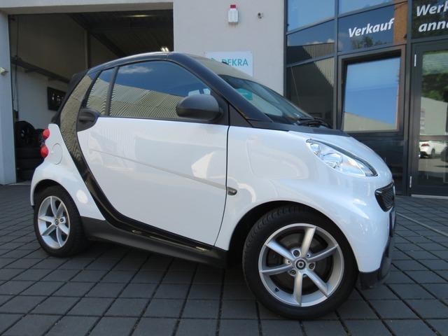 smart ForTwo Micro Hybrid Drive Cabrio Automatik/Navi, Jahr 2012, Benzin