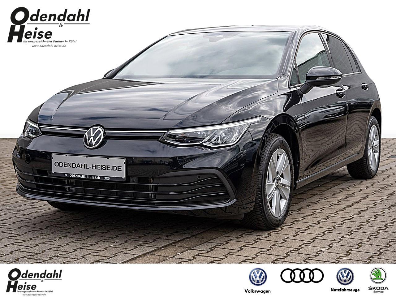 Volkswagen Golf VIII 1,5 l TSI Life Klima Navi, Jahr 2020, Benzin