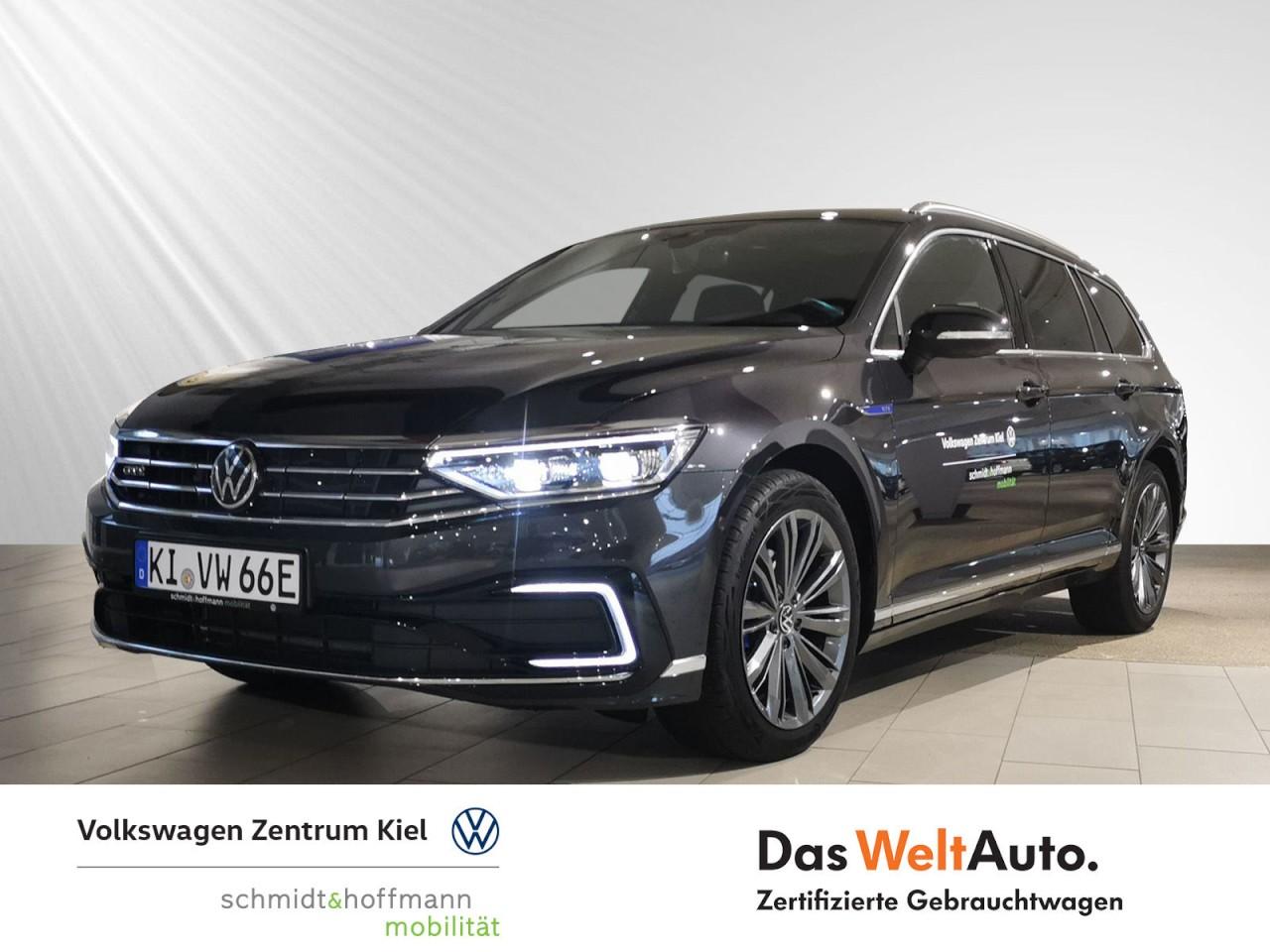 Volkswagen Passat GTE Variant 1.4 TSI DSG AHK LED Panorama, Jahr 2020, Hybrid