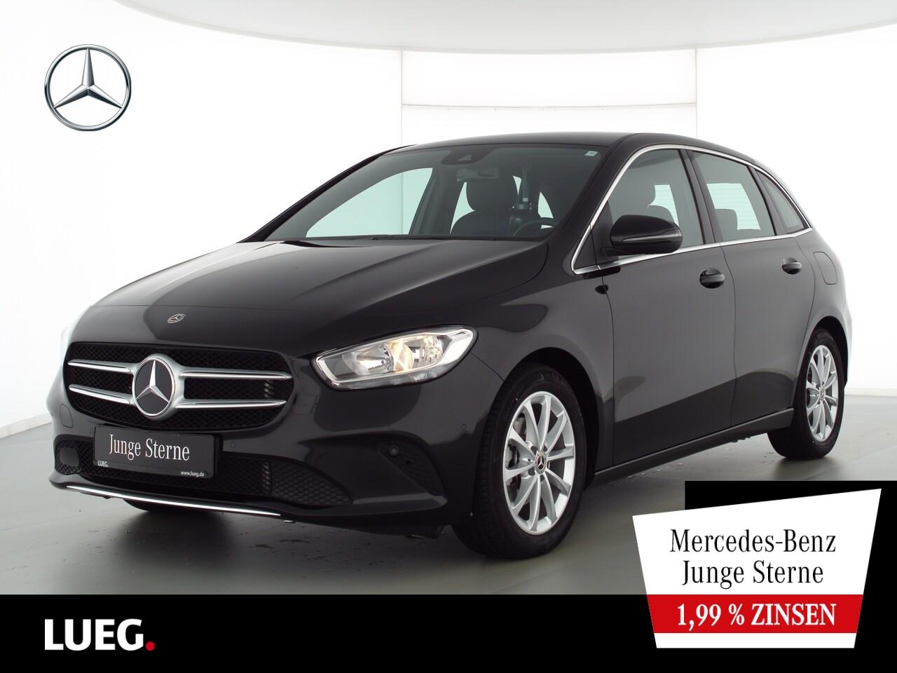 Mercedes-Benz B 180 Progressive+MBUX+NavPrem+Distr+eHeck+ParkA, Jahr 2019, Benzin